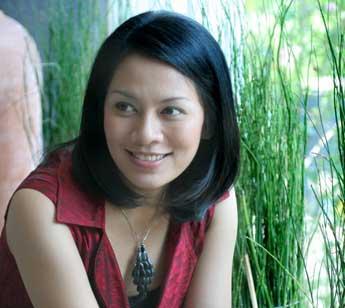 Film Dirilis, Dewi Lestari Deg-degan Menunggu Pemutarannya